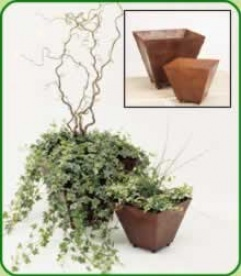 Set Of 2 Rusted Planters