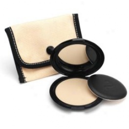 Benefit Cosmetics Get Even Face Comminute Color: Dark
